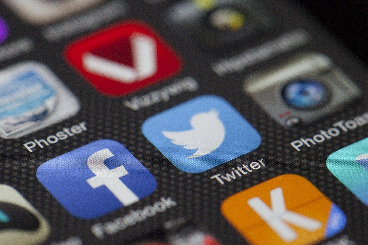 Ako zistiť heslo na Facebook